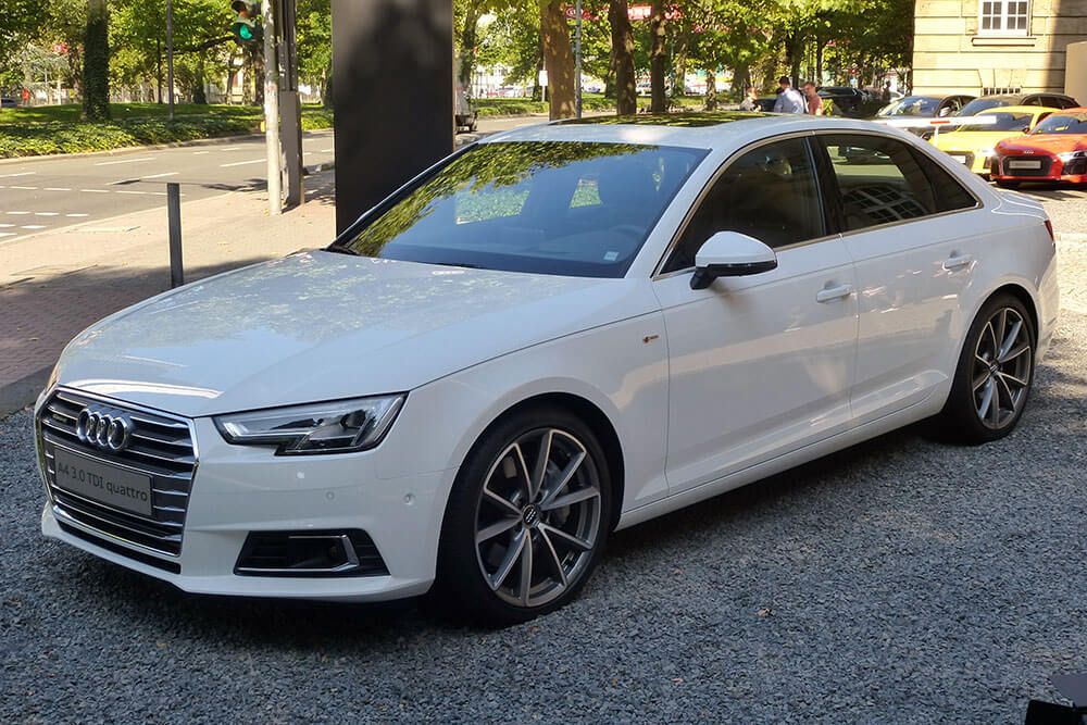 Audi_A4_B9_Limousine